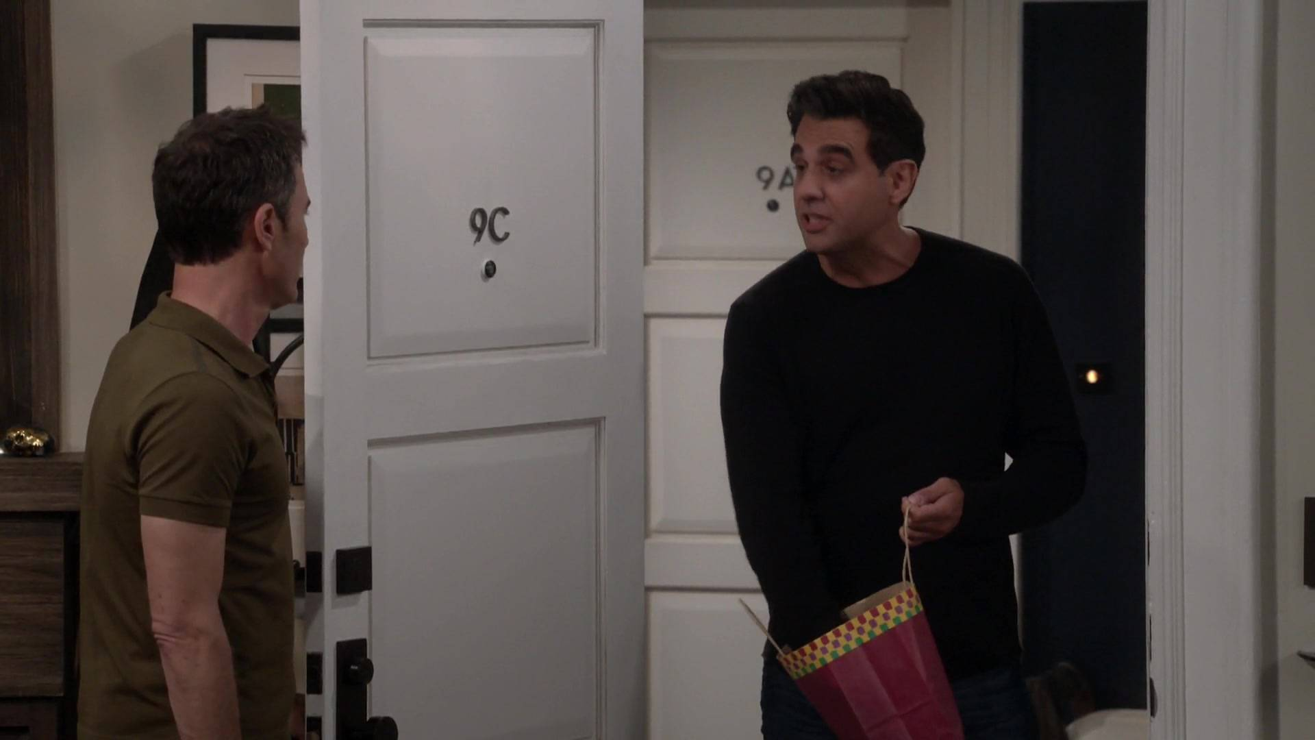 Will & Grace S09E10 / AvaxHome