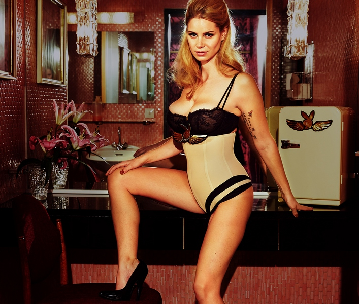 Playmate des Jahres Wahl 2012 / AvaxHome