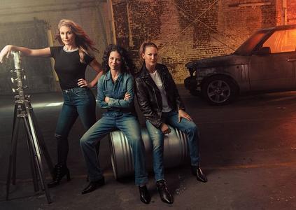 Scarlett Johansson, Sarah Michelle Gellar, Elizabeth Olsenin and Evangeline Lilly in The Hollywood Reporter December 2018