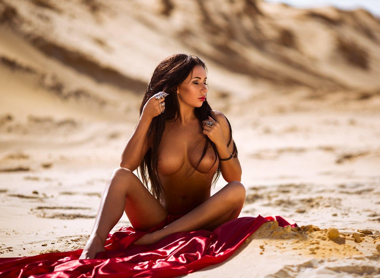 Alisa Bukhtoyarova by Stakis Laus (Update)