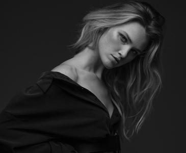Alexa Reynen by Jon Macapodi