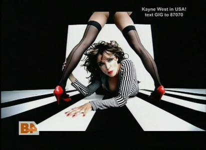 VideoClip Dannii Minogue - So Under Pressure