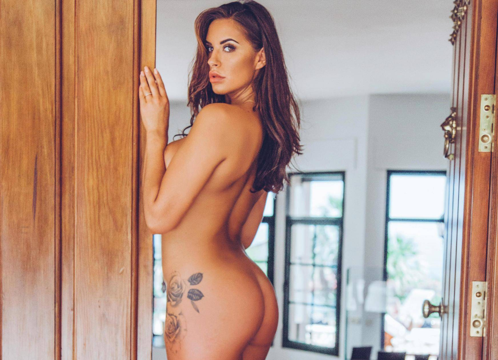 Love island's jess shears strips completely naked for steamy photo shoot