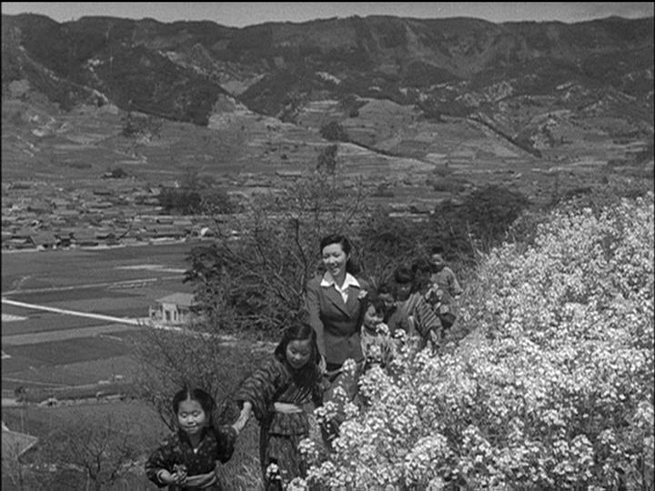 Twenty-Four Eyes (1954) [Masters of Cinema #18] [ReUP]