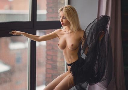Natalya Andreeva by Stakis Laus