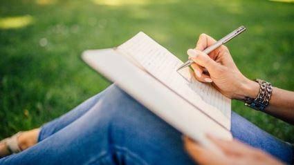 Screenwriting : Your Secret Door to Scriptwriting career