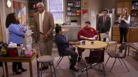 Mr. Iglesias S01E08
