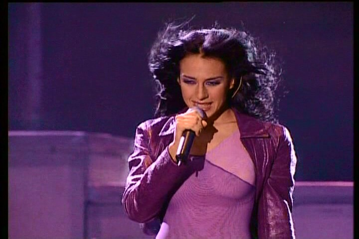 Video Monica Naranjo - If you leave me now [concert] re-post