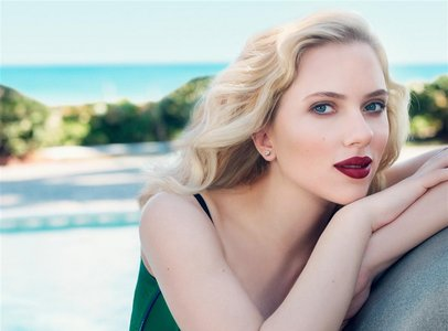 Scarlett Johansson by Craig McDean for Vogue US April 2007