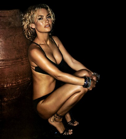 Kelly Carlson - Wallpapers