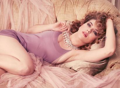 Scarlett Johansson by Michelangelo di Battista for InStyle May 2010 (Repost)