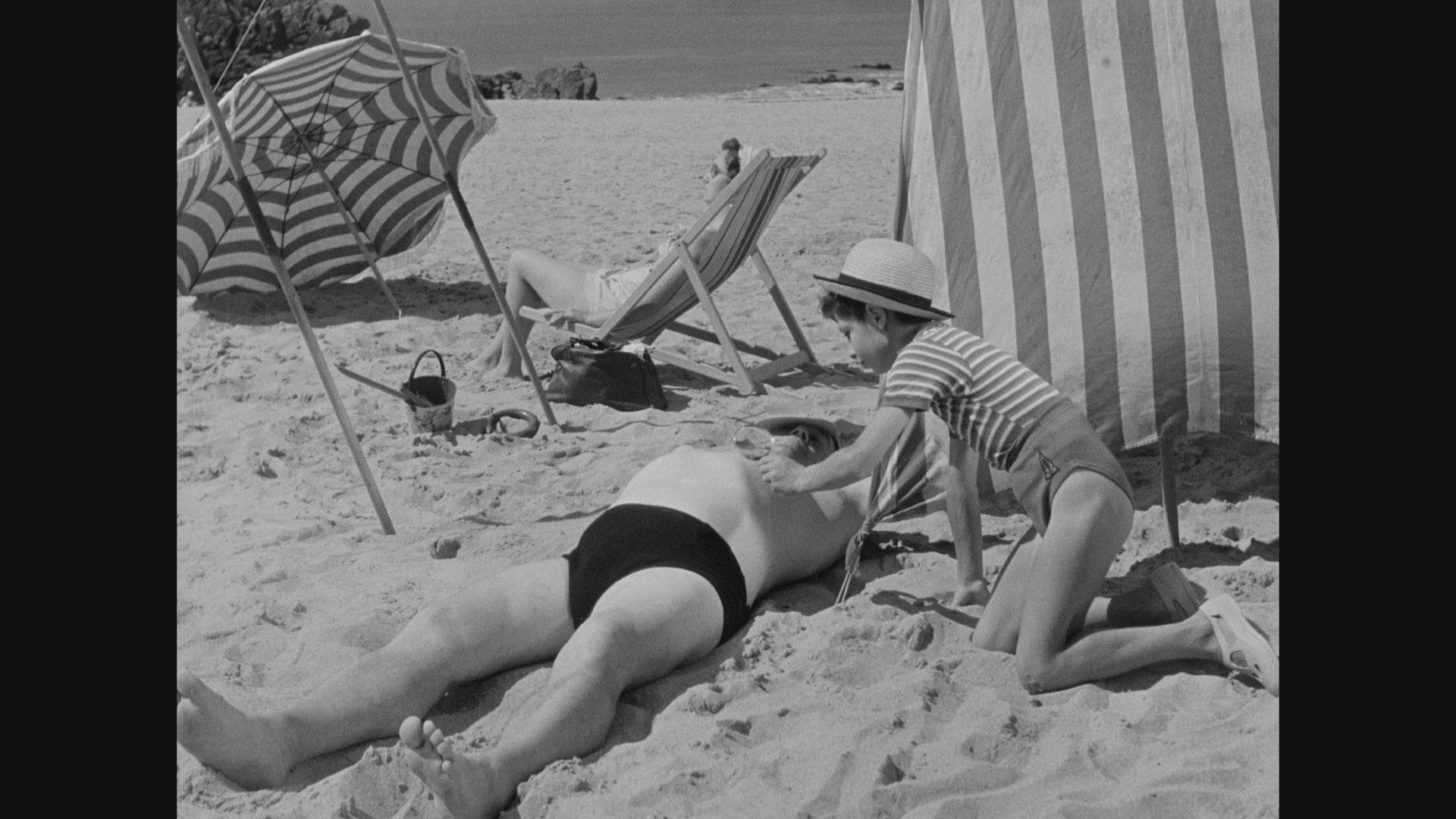 The Complete Jacques Tati - BR 2. Les vacances de Monsieur Hulot / Mr. Hulot's Holiday (1953) [ReUp]