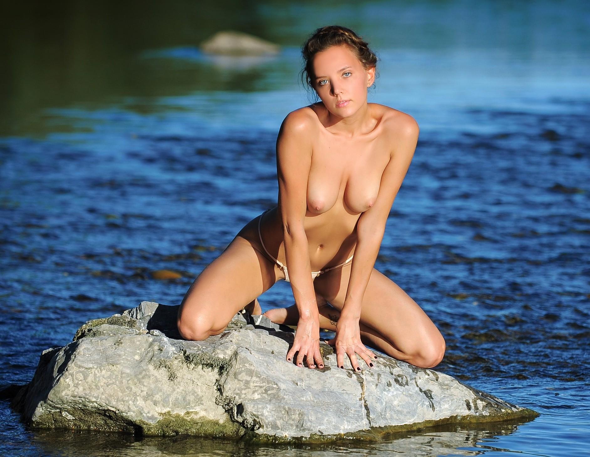 Katya Clover by Artofdan