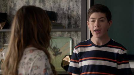 Speechless S02E09