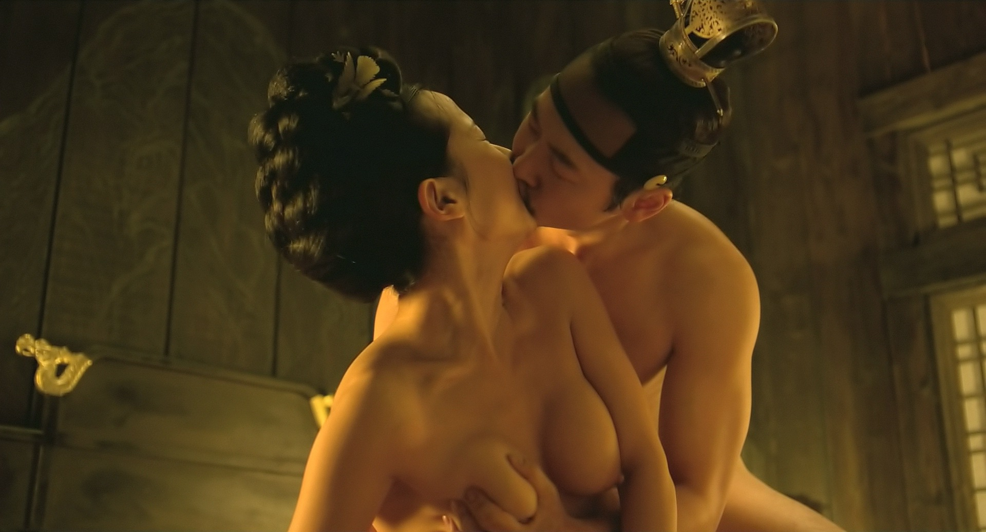 Sexy And Nude Asian Picture Scenes