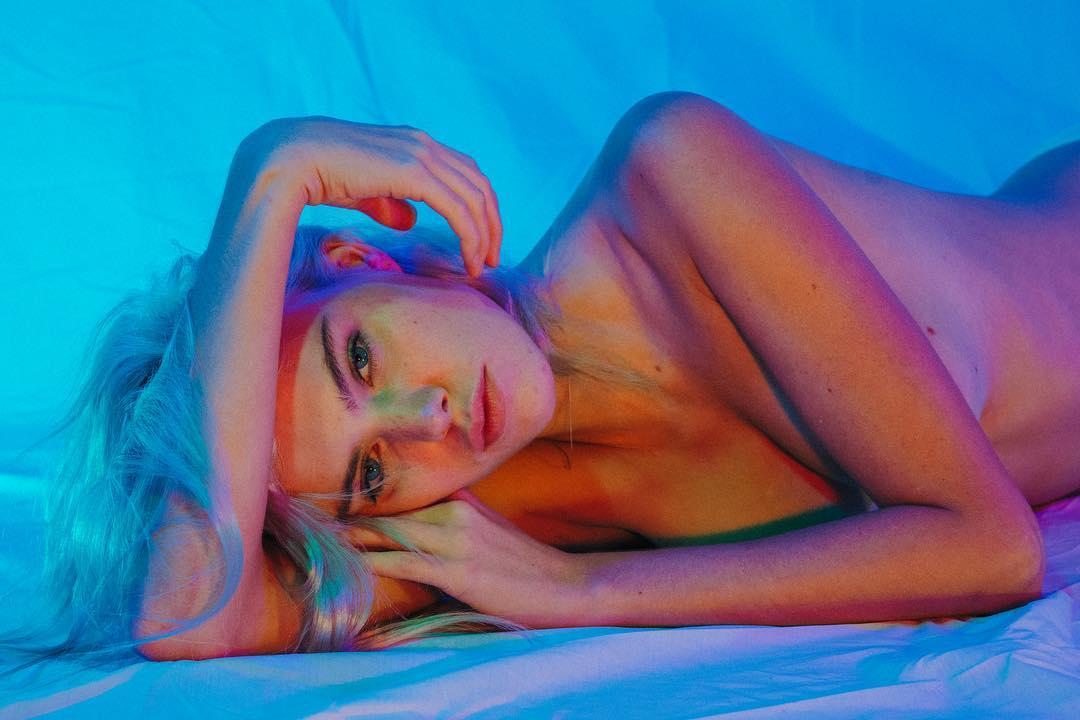 julia-ling-topless