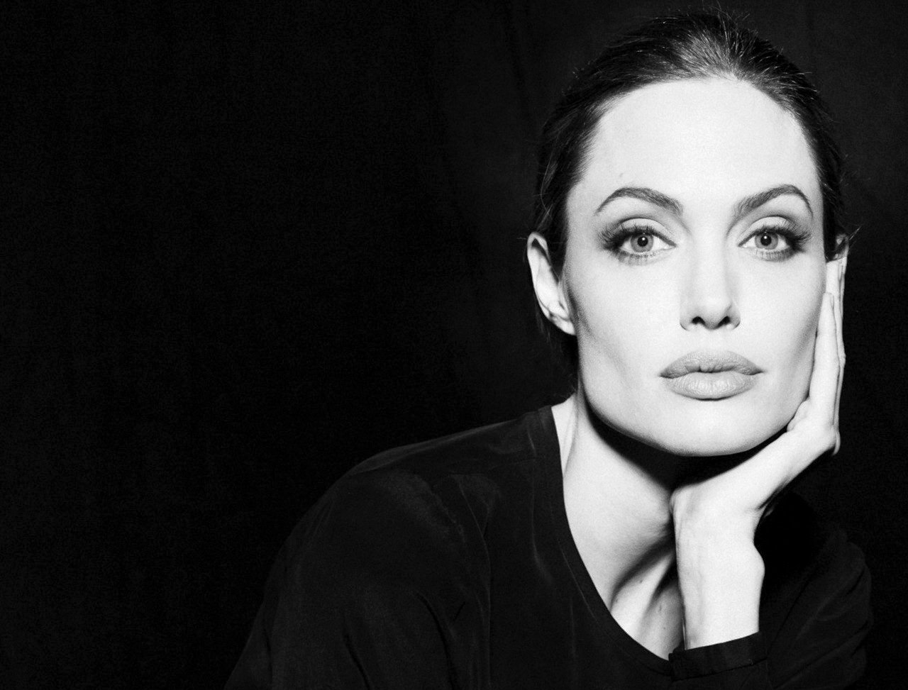 Angelina Jolie by Sofia Sanchez & Mauro Mongiello for Interview Magazine December 2011