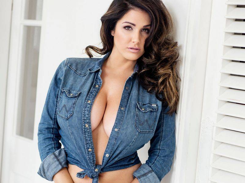Lucy Pinder 2017