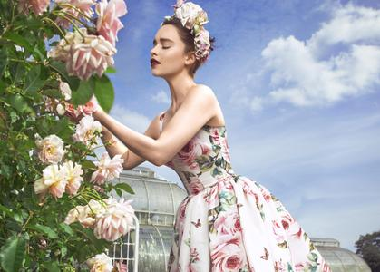 Emilia Clarke by Mariano Vivanco for Harper's BAZAAR December 2017/January 2018