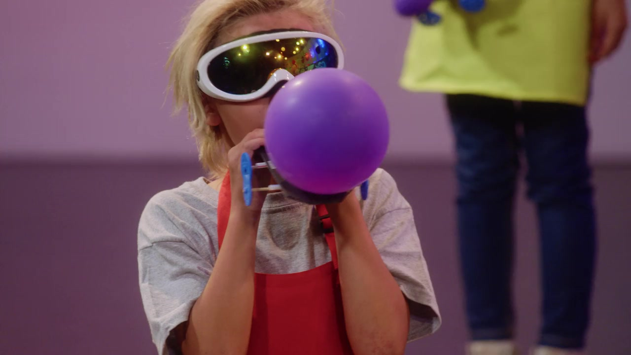 Emily's Wonder Lab S01E08