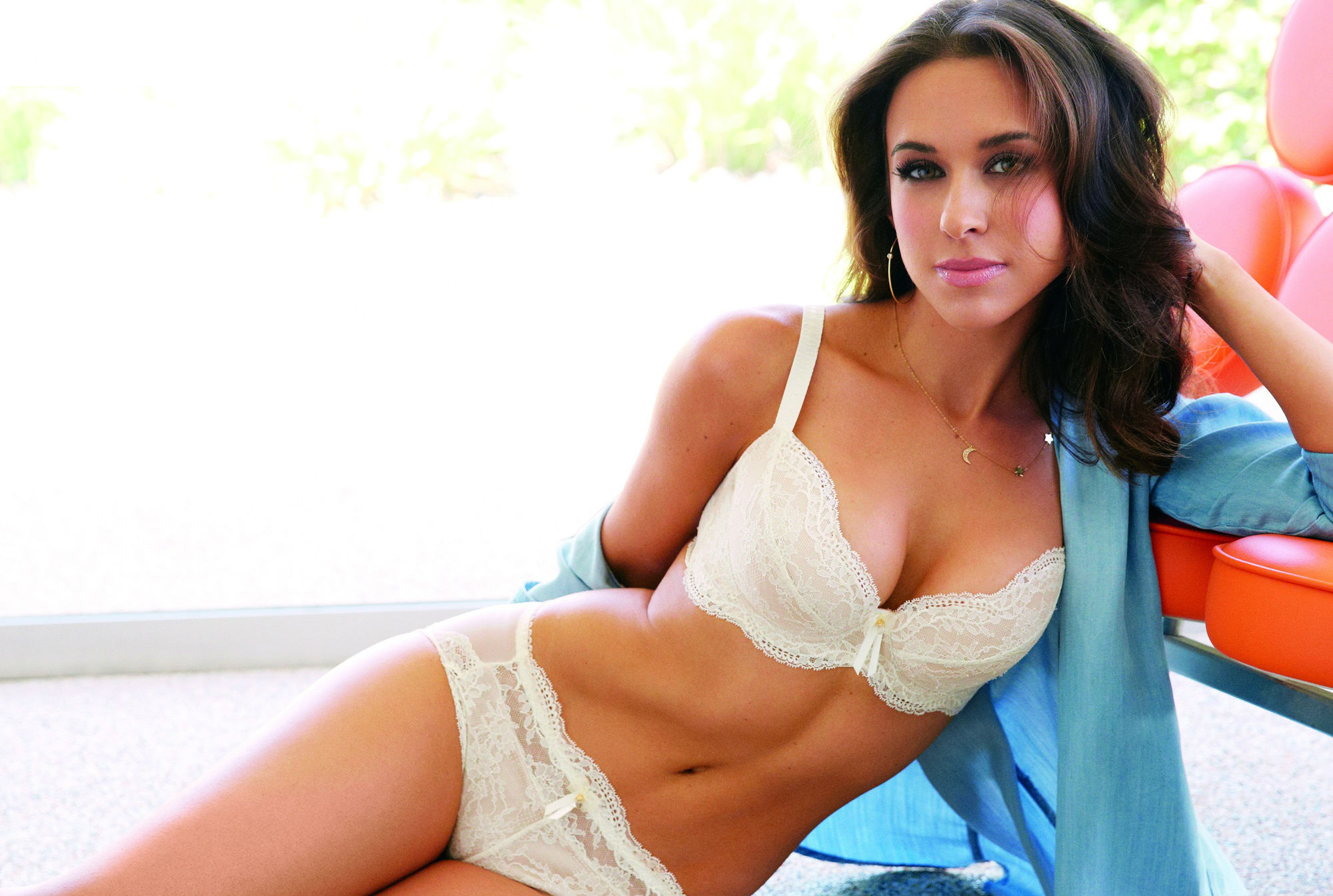 Lacey Chabert Fakes
