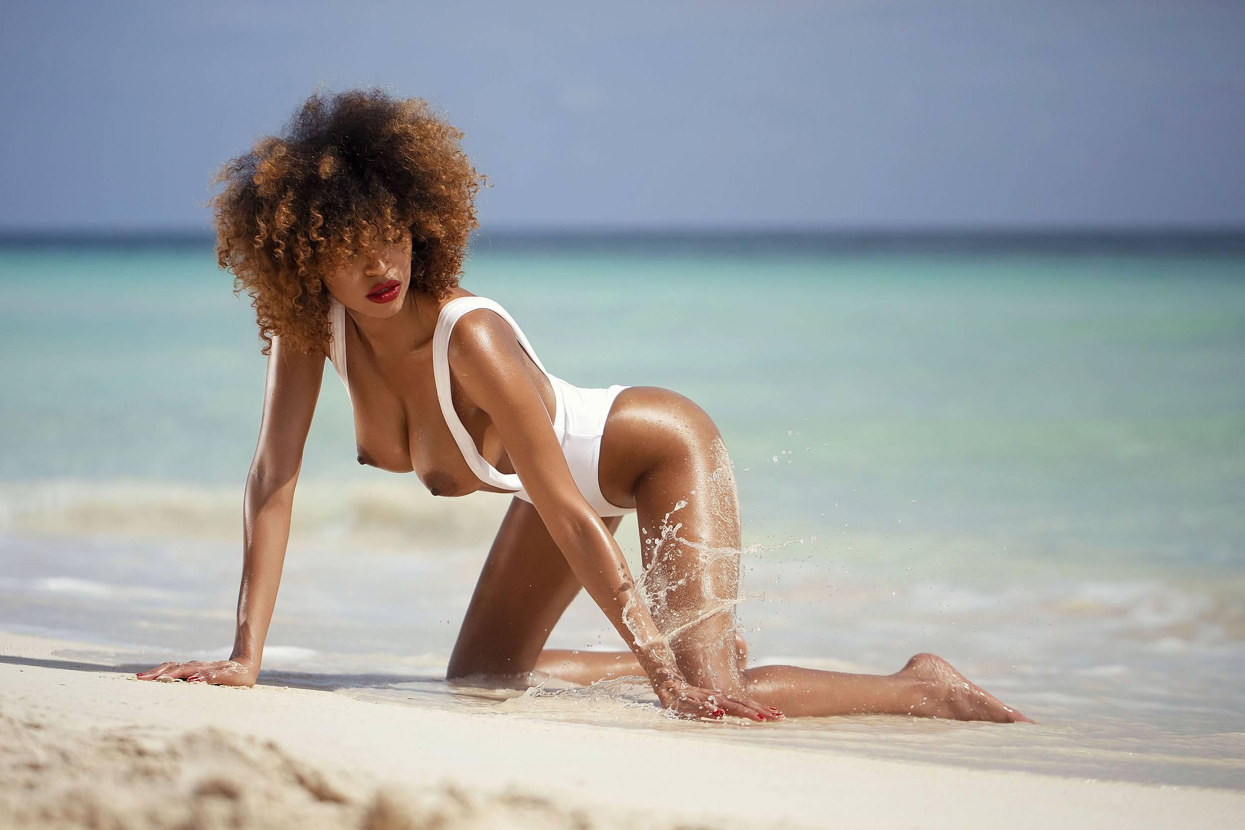 Jackie Almeida - Blende Sechs