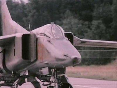 NVA: Jagdflugzeuge und Kampfhubschrauber