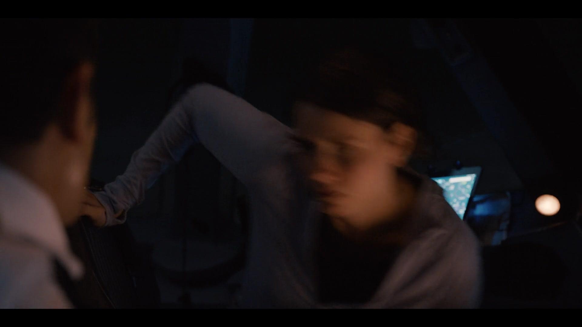 Into the Night S01E03