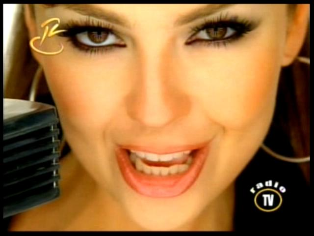VideoClip Thalia - Amar Sin Ser Amada