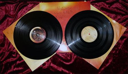 The Cure - Kiss Me Kiss Me Kiss Me (Polydor 832 130-1) (GER 1987) (Vinyl DoLP 24-96)