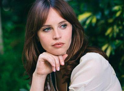 Felicity Jones by Elizabeth Weinberg for The New York Times