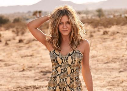 Jennifer Aniston by Zoey Grossman for ELLE US January 2019