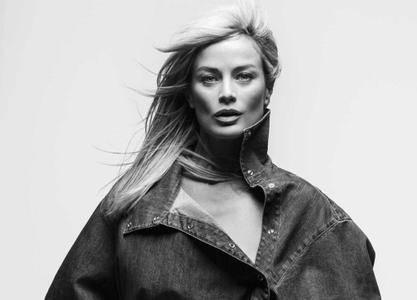 Carolyn Murphy by Inez van Lamsweerde & Vinoodh Matadin for Vogue UK July 2017