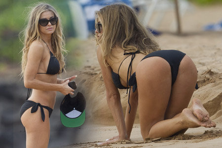 Carmen Electra Bikini Candids At A Beach In Hawaii