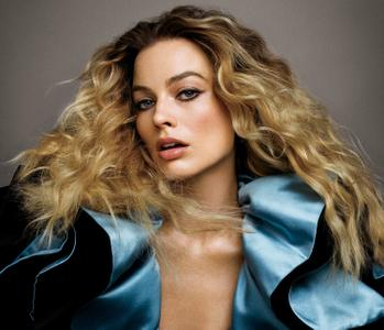 Margot Robbie by Inez and Vinoodh for Vogue US July 2019
