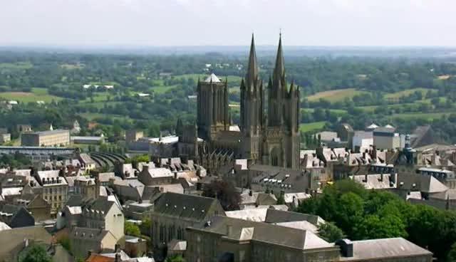 (Fr3) Des Racines et des Ailes : Passion patrimoine, du Périgord au Cotentin (2010)