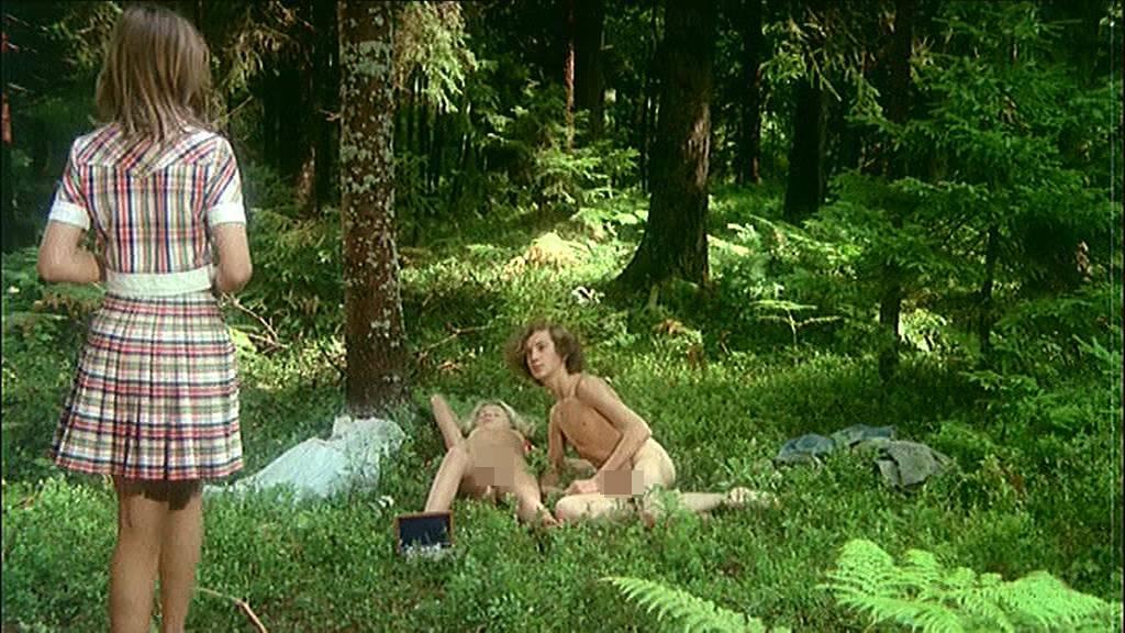 eroticheskie-filmi-pansionat-moloduyu-ebut-v-dva-stvola-smotret-onlayn
