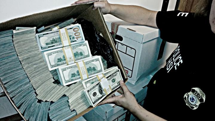 Dirty Money - Season 1